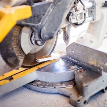 what to look for in a mitre saw